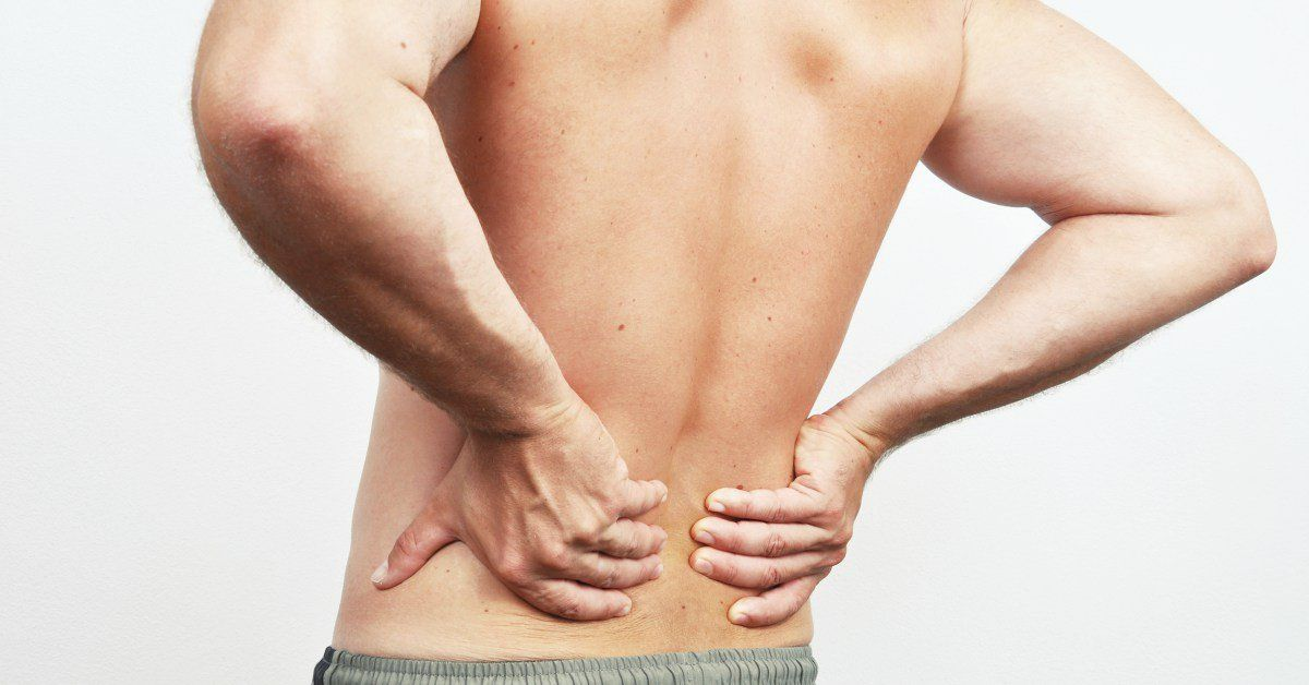 Man-met-rugpijn